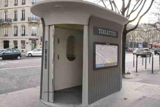 Paris toilet