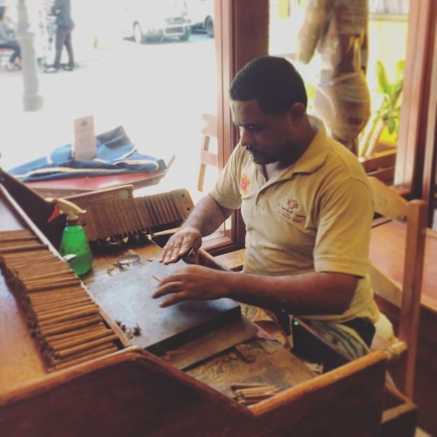 Hand-rolled cigars to go